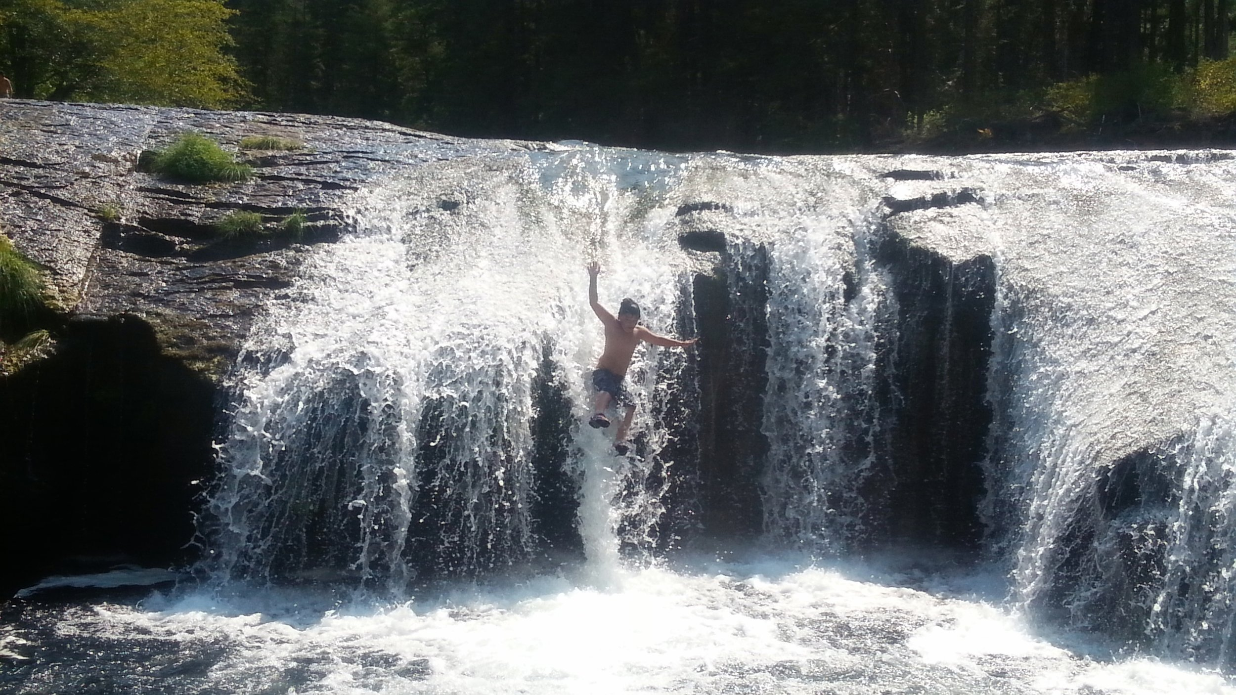 SOUTH UMPQUA FALLS NATURAL WATER SLIDES - What to do in Southern Oregon - Fun with Kids - Outdoor Adventures