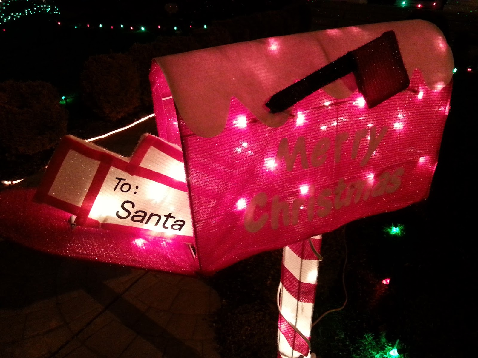CHRISTMAS LIGHTS TRAIL IN MEDFORD - What to do in Southern ORegon - Greystone Ct - Cherry Lane