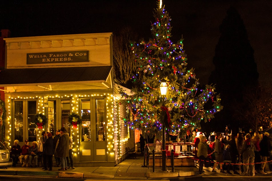 Jacksonville's Victorian Christmas - Tree - What to do in Southern Oregon