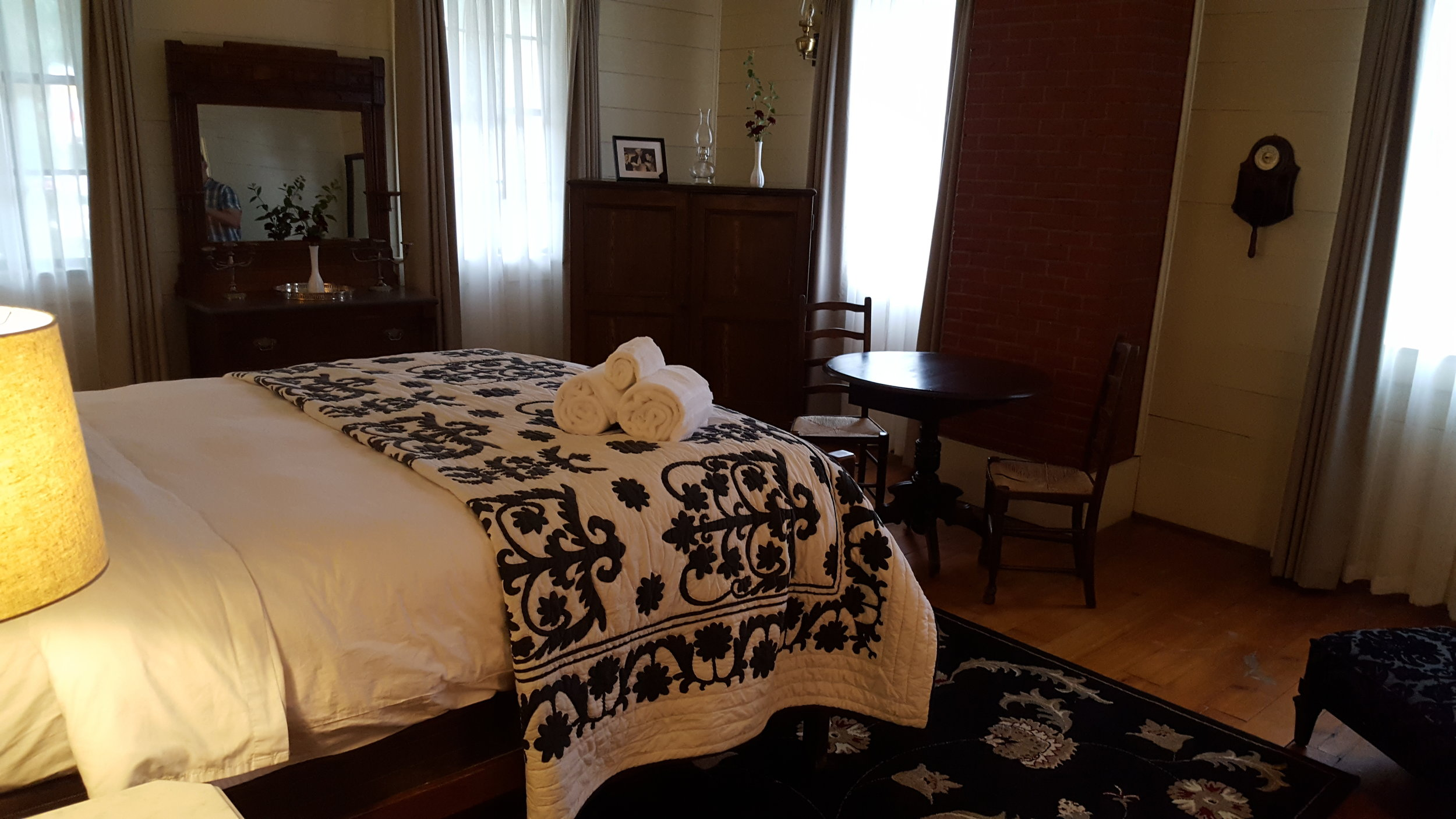 Clark Gable Room at Wolf Creek Inn