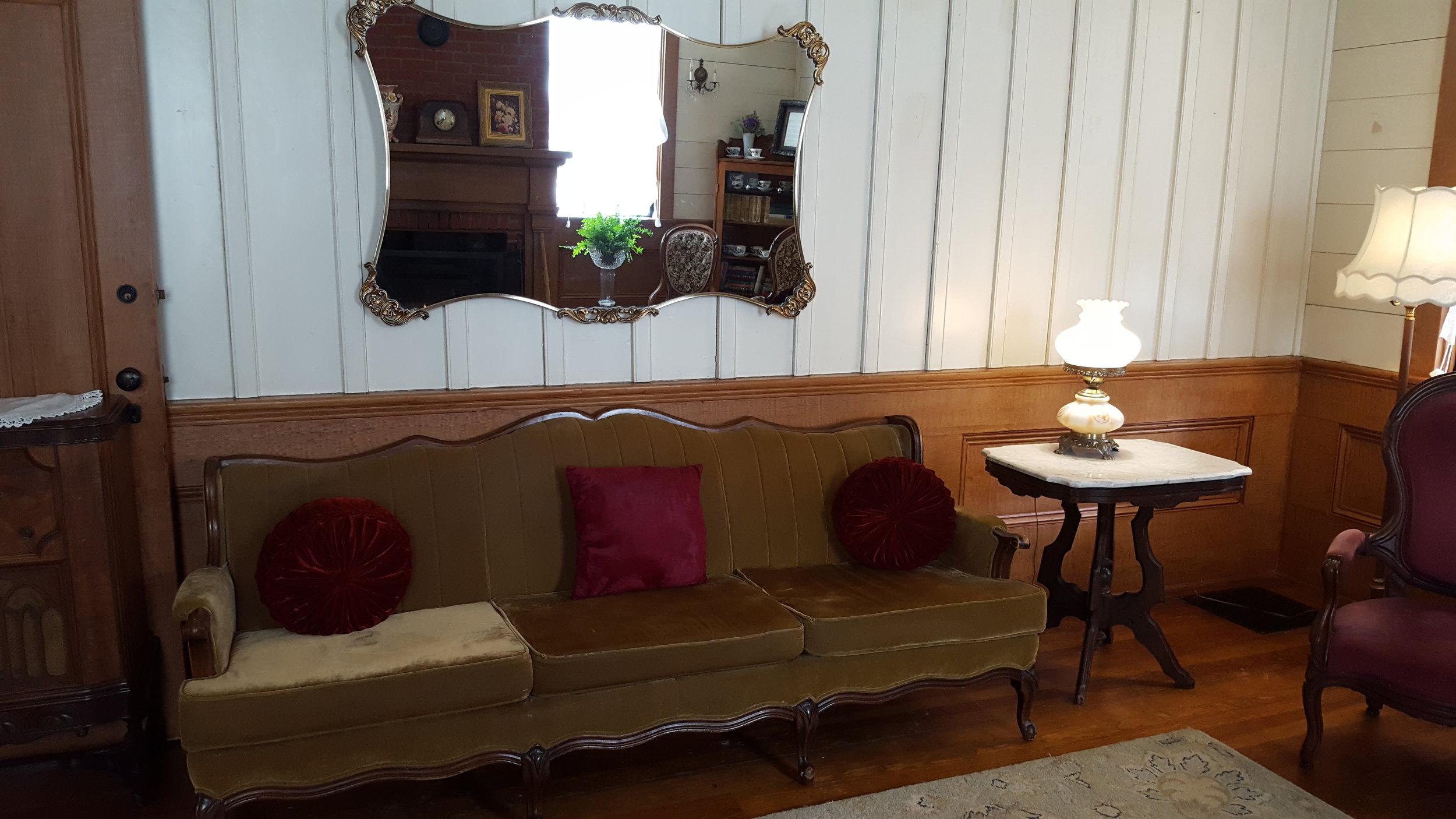 Ladies parlour at the Wolf Creek Inn