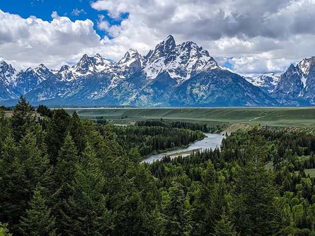Two words to describe our visit to @grandtetonnps..In awe.  We only had one day at the Grand Tetons and boy do we regret not making more time for it.  This view of the Snake River in front of the Grand Tetons had us dreaming of unexplored trails, and future mountaineering trips.  We basically drove around much of the park to get an idea of what to do next time we visit.  One thing we found was that Jenny Lake was so packed there was no way we could even get into the parking lot but we will make sure that we get there bright and early next time we visit so that we can hike to Hidden Falls and Inspiration Point!  Fun fact: This is actually the view of the Grand Tetons that @anseladams photographed in 1942.  Is there any place you've been that wish you'd planned more time?  #PierceFamilyAdventures #Wyoming #wyominglife  #visittheUS #thatswy #GrandTetons #visitWyoming #mountains #exploretogether #exploremore #goadventuretogether #bestlife #domore #Americathebeautiful #optoutside #getoutdoors #travelwriter #familytravel #familytravelbloggers #beautifulviews #Oregonbloggers #travelbloggers #SnakeRiver #travelgram #wearentlost #instagood #serenity #natureismychurch #naturelovers
