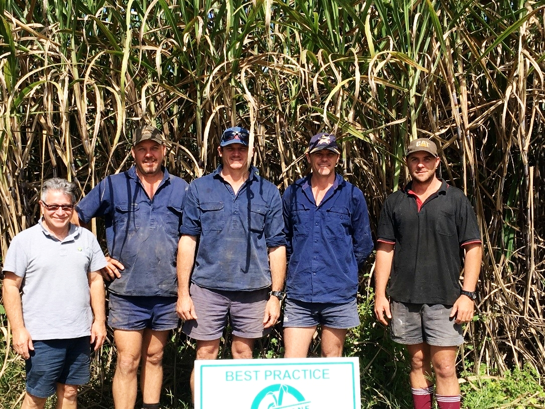 Nick     Stipis (L) with recently accredited growers (L-R: Anthony Johnson, Tim Murphy, Paul Johnson, Stephen Johnson).