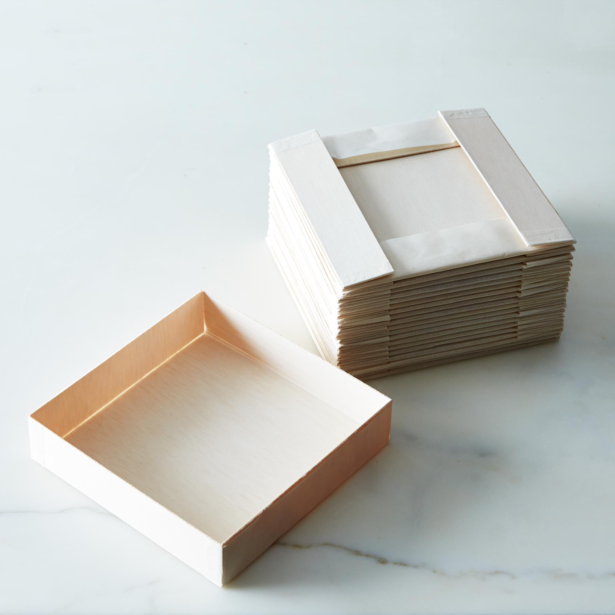 Collapsible Wooden Square Plates (Set of 20)