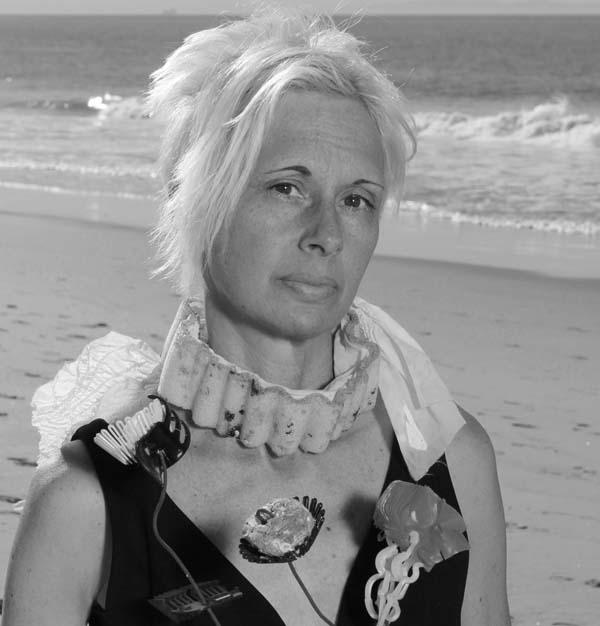 Marina De Bris