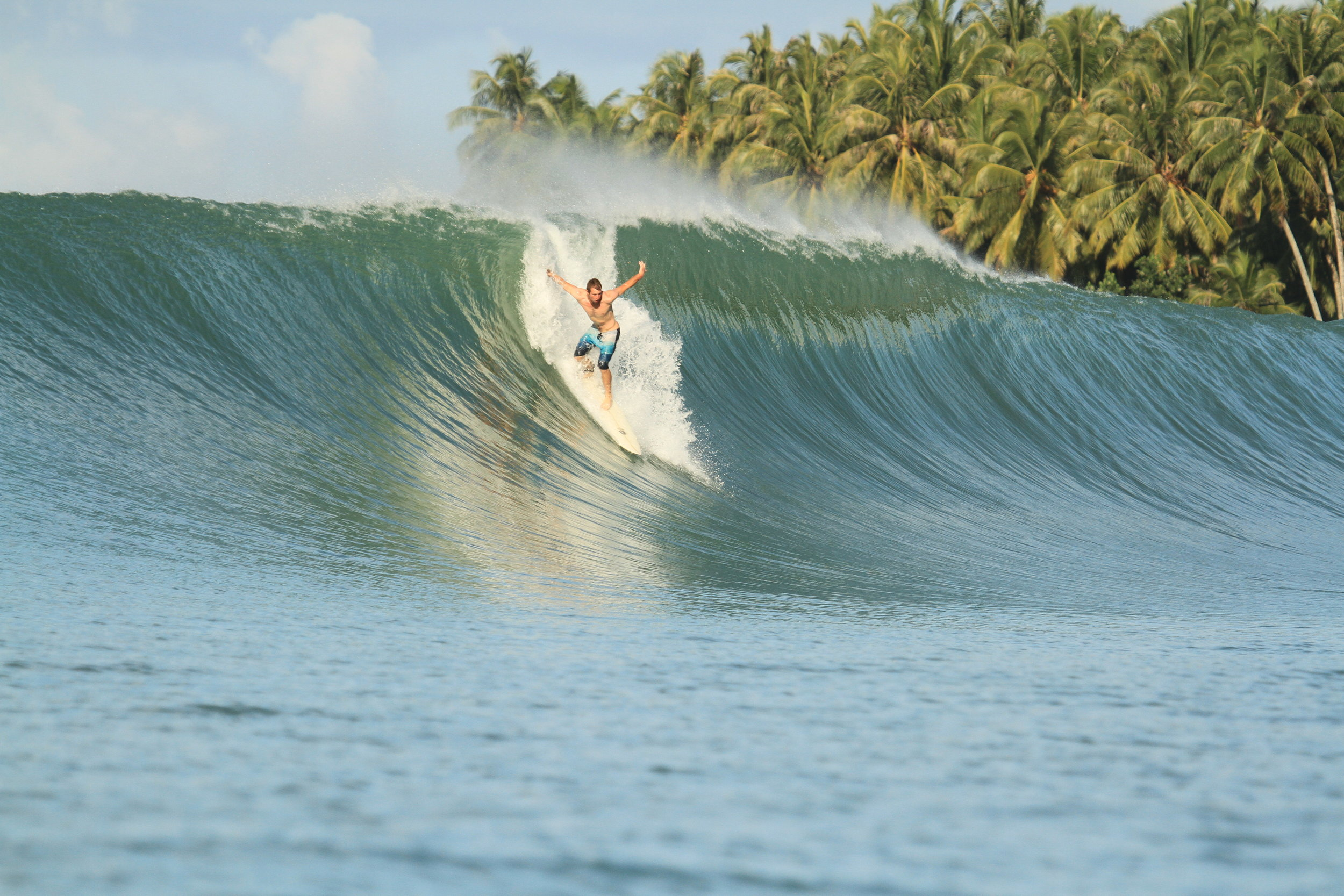 Sean Pollard surfing