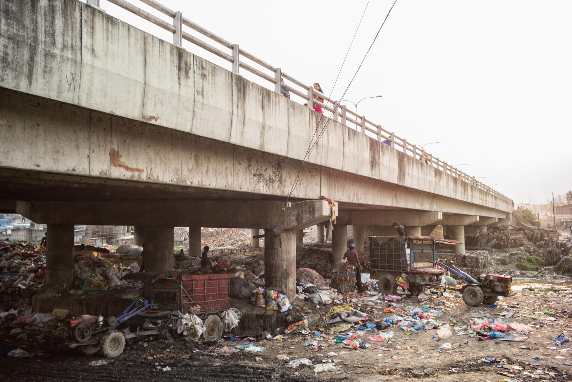 daniel-maissan-garbage-low-13.jpg