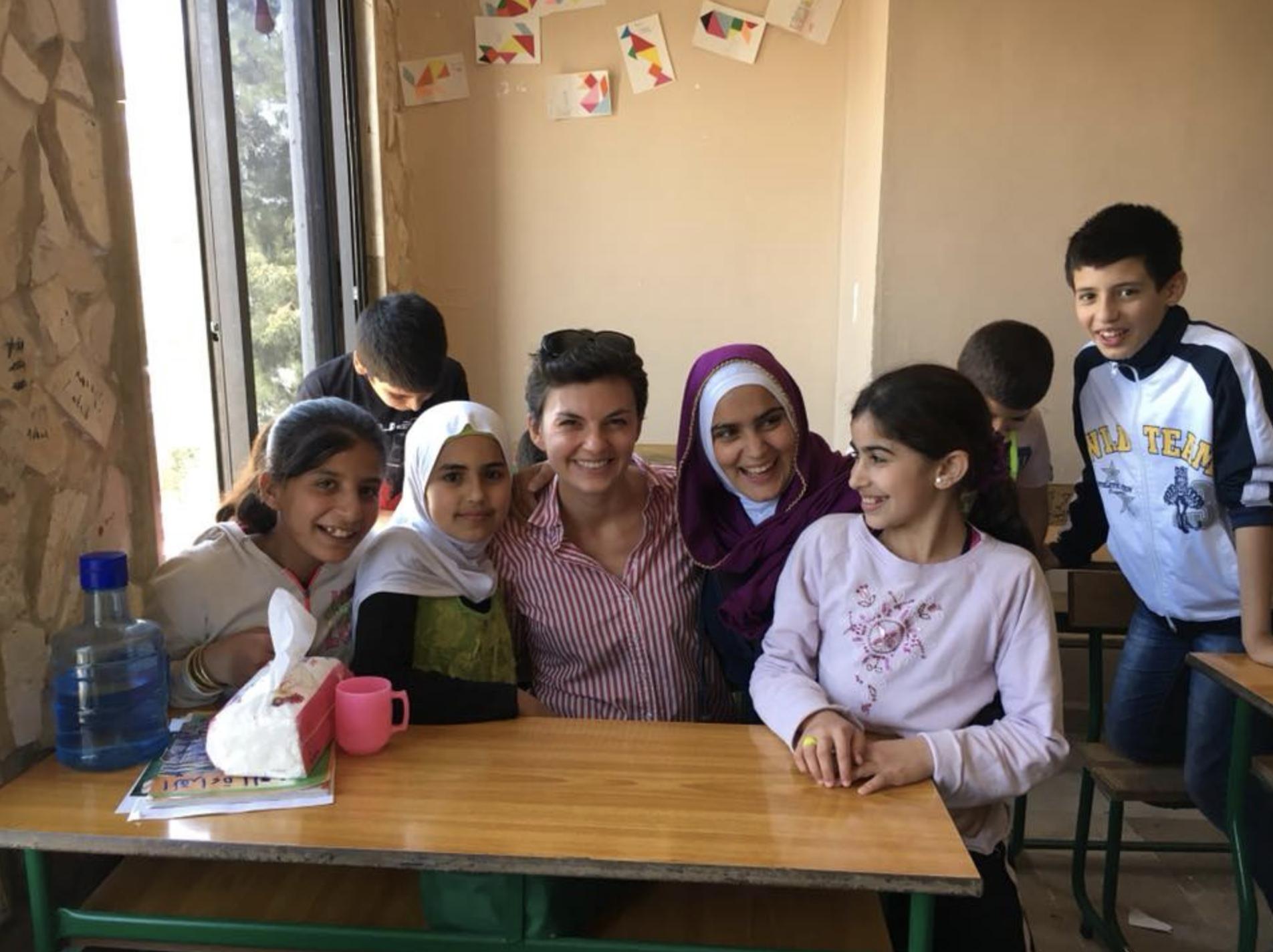 Kinder unserer Schule mit unserem S4S Vorstandsmitglied Anastasia Mihailov
