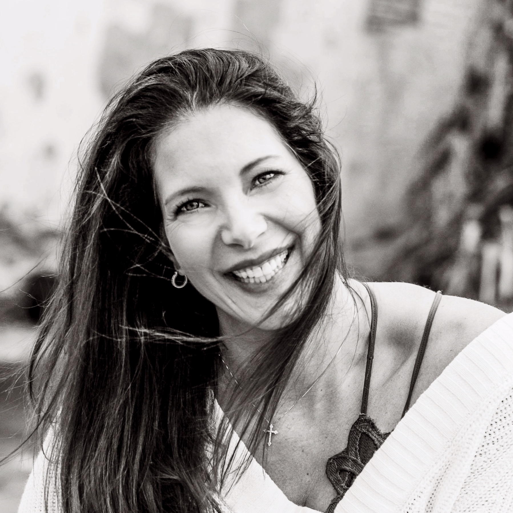 JANELLE DEWOLF - Janelle is the owner of Studio 116 Photography and The DeWolf Co.She specializes in Personal Branding photography and in January 2020 will be launching her Enneagram Coaching business with Mastermind, Workshop & Individual Coaching opportunities.