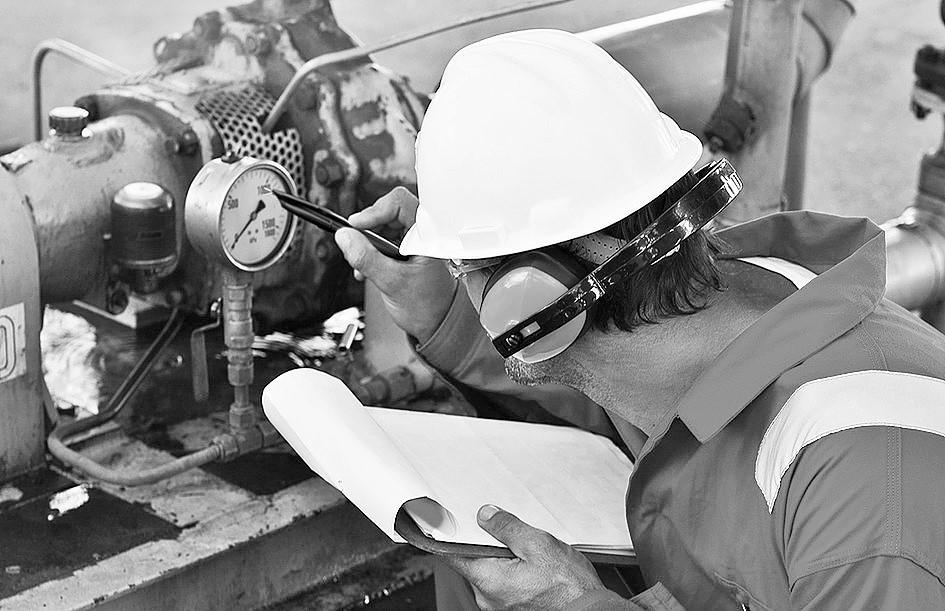 oil worker (2).jpg