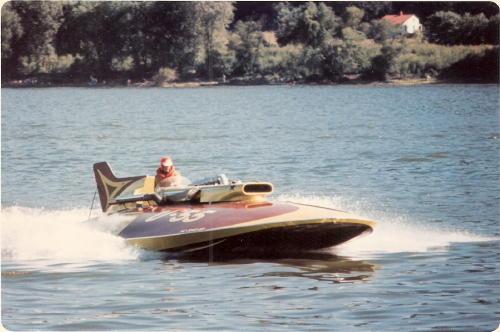 1963_U-55_Gale_V_Hull_5855_RC_Boat_Co.com_part_SG1950C_.jpg