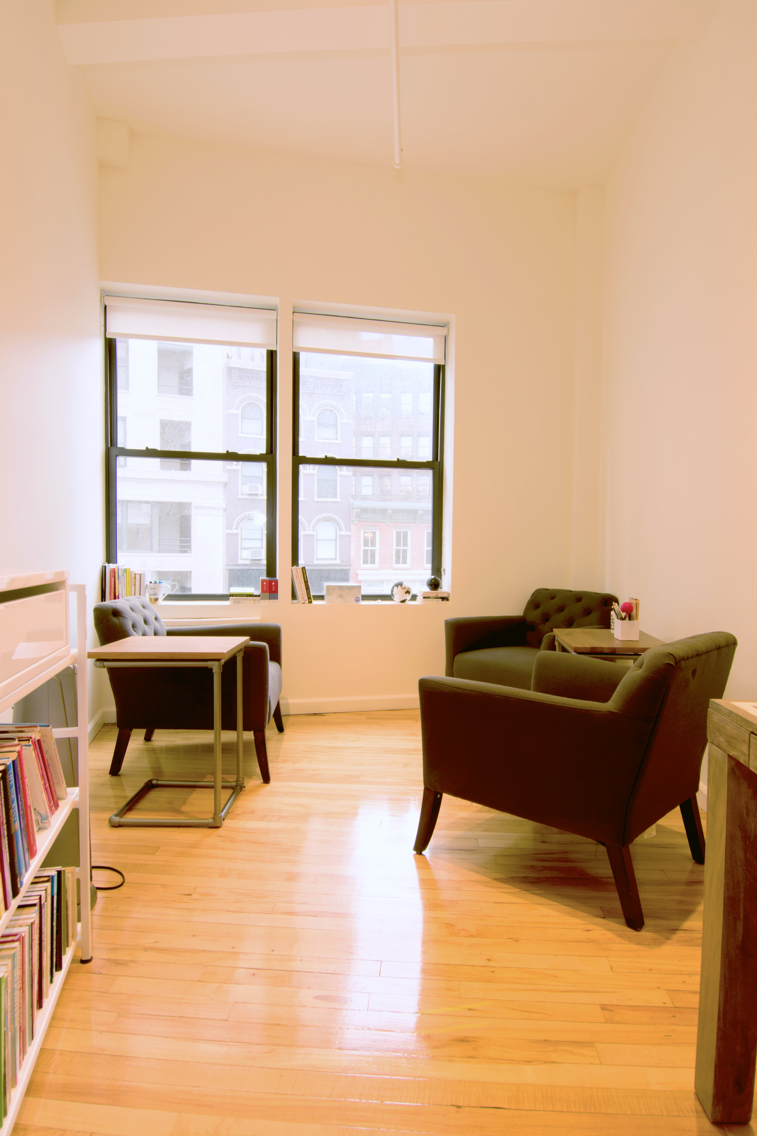 serene-offices-therapy-office-flatiron-21st-street-room-1-3-chairs.jpg