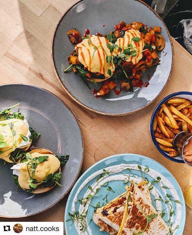 #Repost @natt.cooks with @get_repost ・・・ Brunch nomz @boydens_kitchen  #eggsbenedict #eggsflorentine #fries #wrap #brunch #instafood #local #eatlocal #barnet #northlondon #nomnom #yum #buzzfeedfood