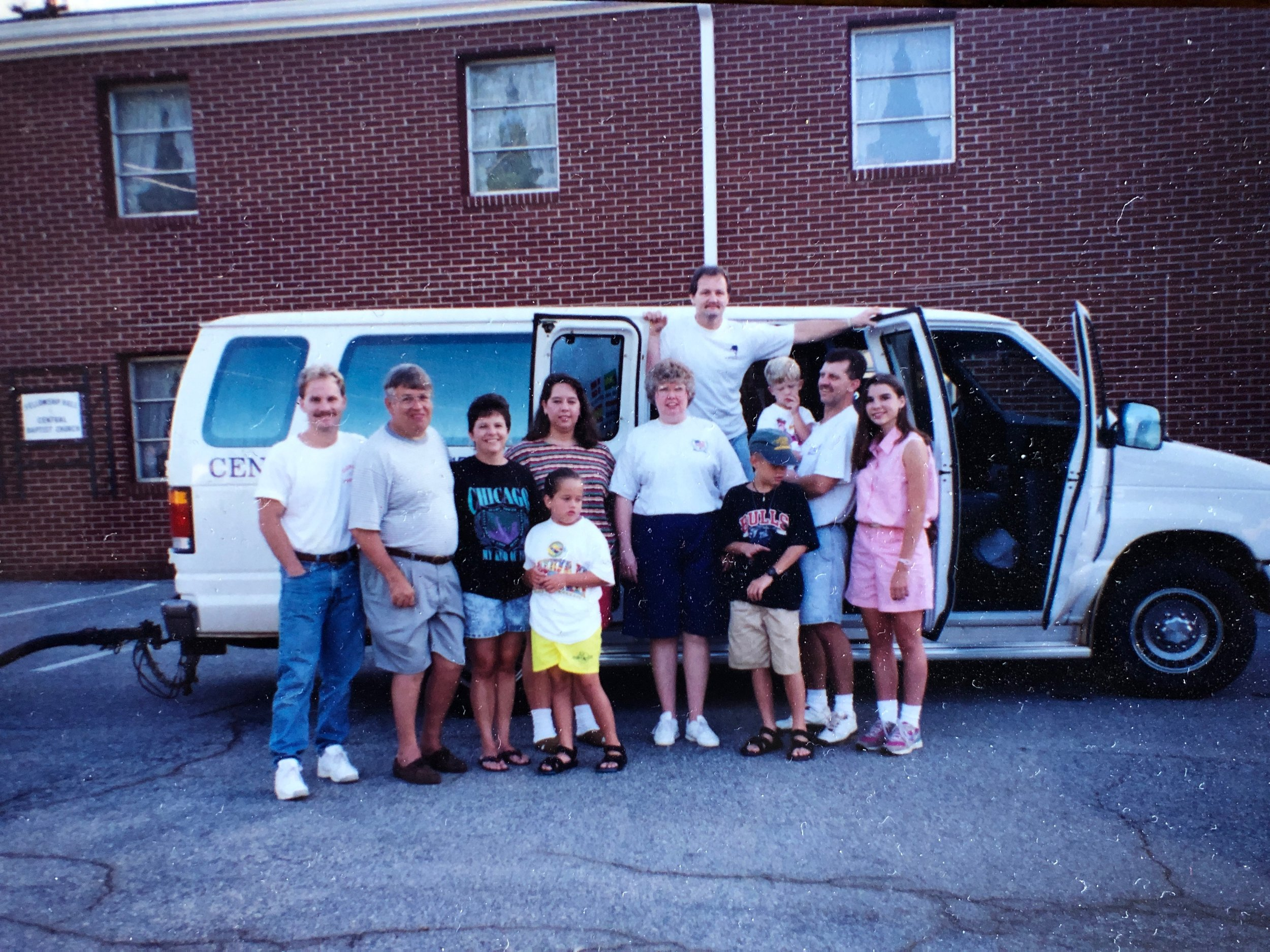 Mary Splawn far right, Dot Stephens center white t-shirt and others going on mission trip to Kenvir KY.jpg