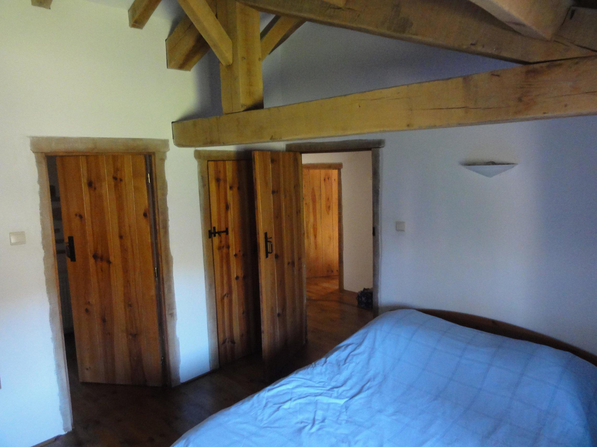 8 main bed2.jpg
