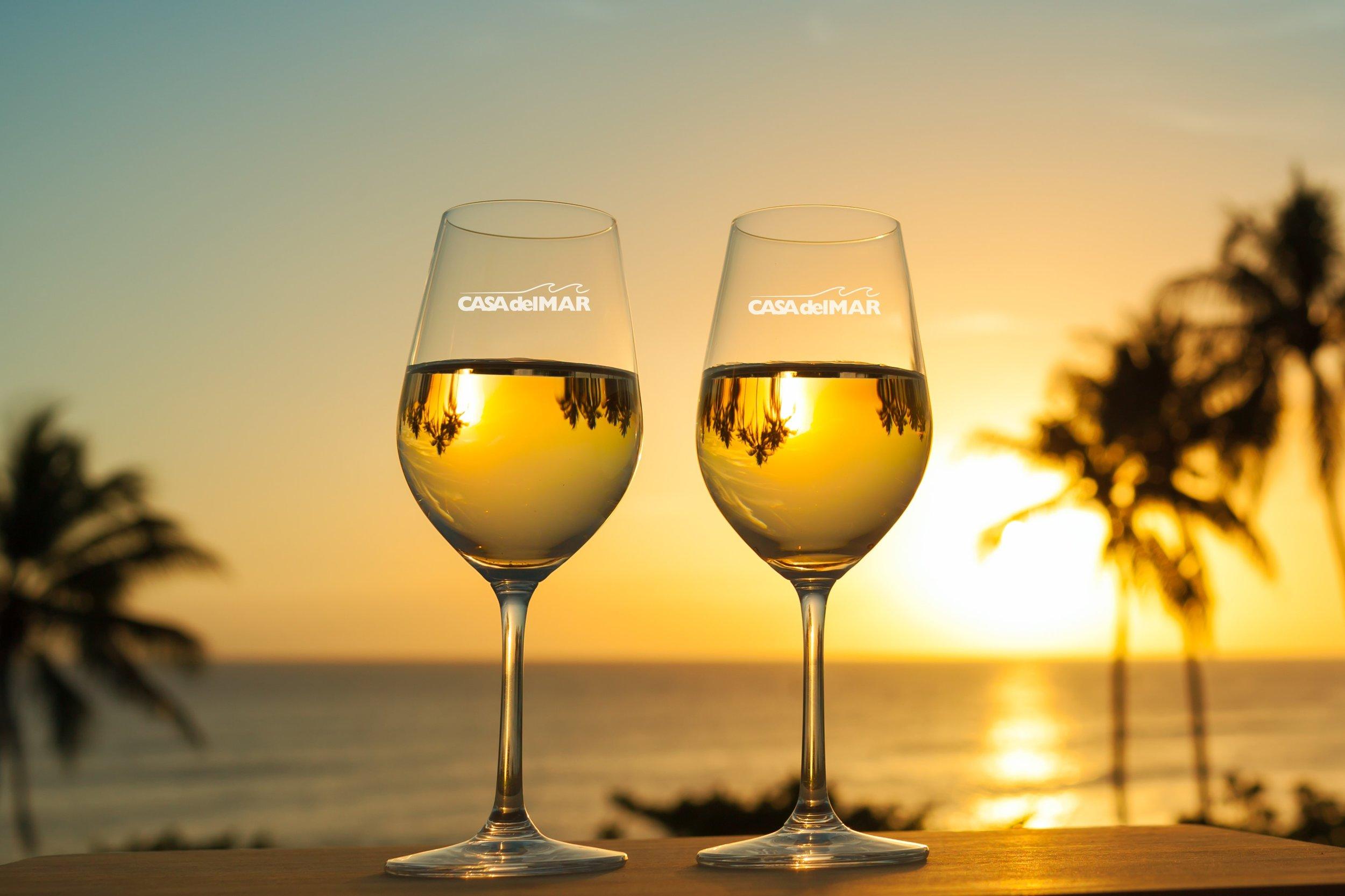 Casa_del_Mar_Logo_Wine_Glasses_Logo_Drinkware