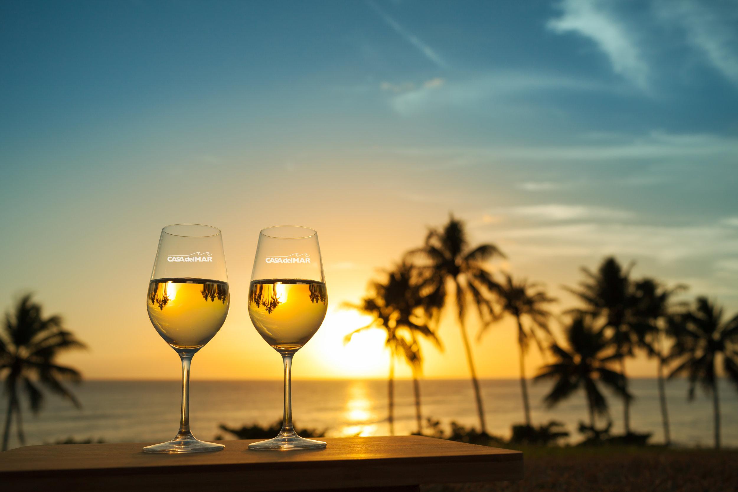 logo wine glasses, logo barware, personalized glasses, personalized wine glasses, custom wine glasses, custom drinkware