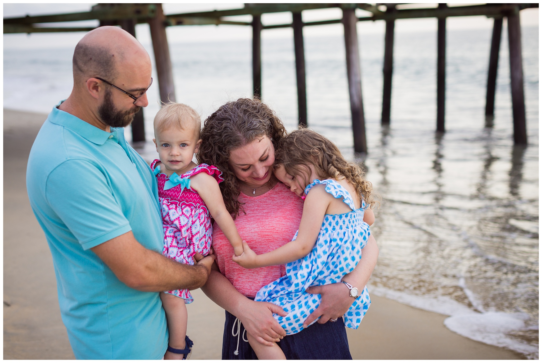 Virginia-Beach-Family-Photographer-2.jpg