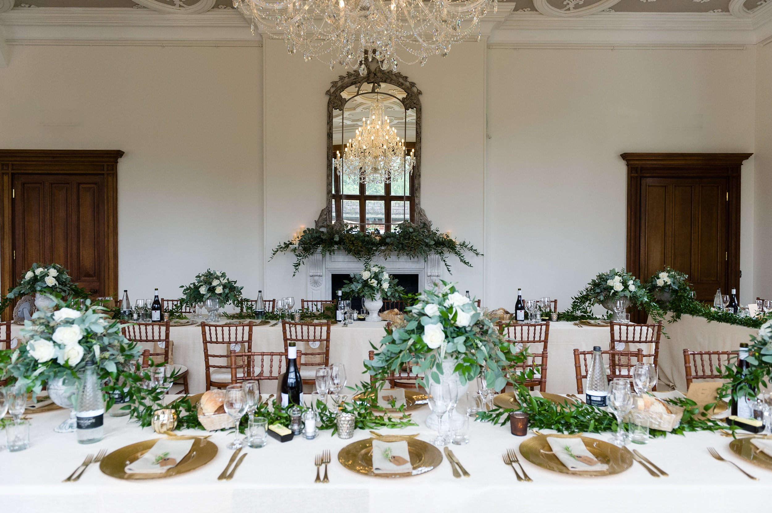 Guest table flowers by Tineke