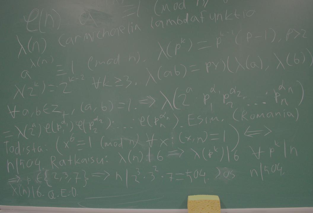 Lukuteorian tunneilla käytiin läpi mm. Carmichaelin lambdafunktion ominaisuuksia.