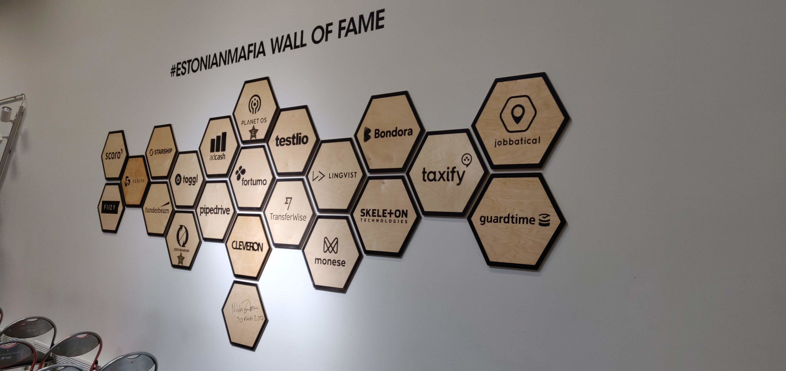 Kuvassa on Lift99:llä aloittaneita ja menestyneitä Start-upeja.