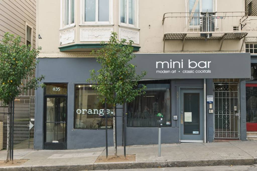 mini bar.jpg