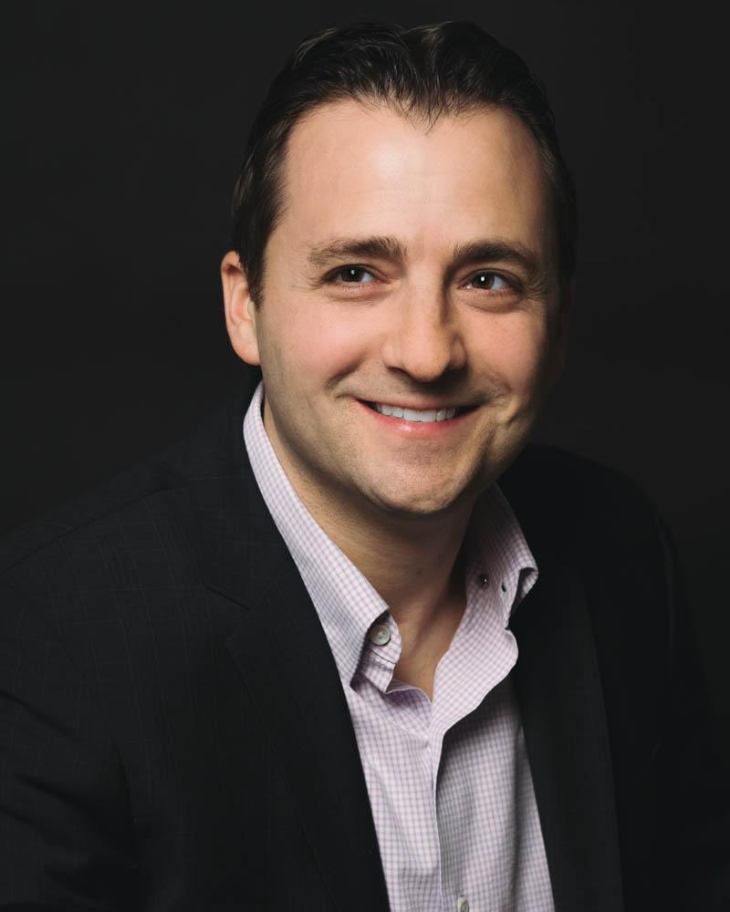 Andy Ockner Full Picture Headshot.JPG