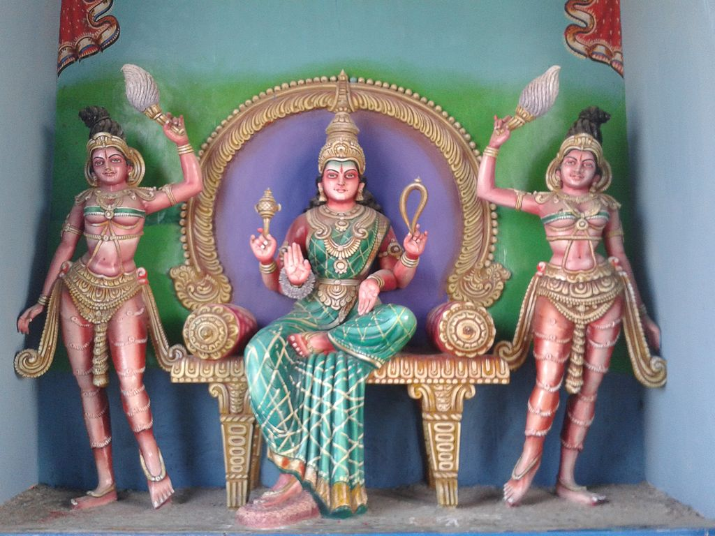 Statues_of_Hindu_Deities_at_Lord_Shiva_Temple_in_Kanipakam_03.jpg
