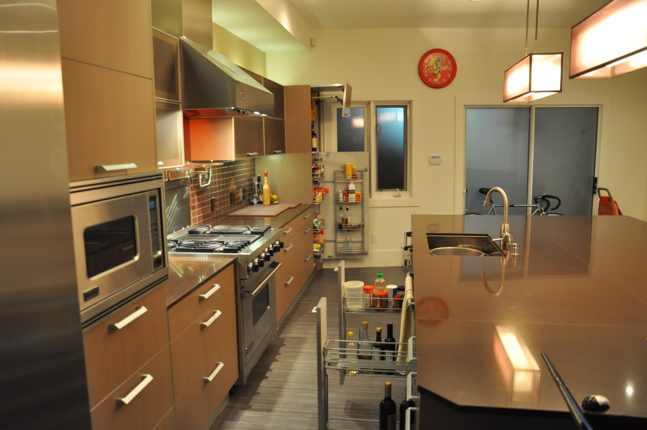Kitchen 10 Pic 3.jpg