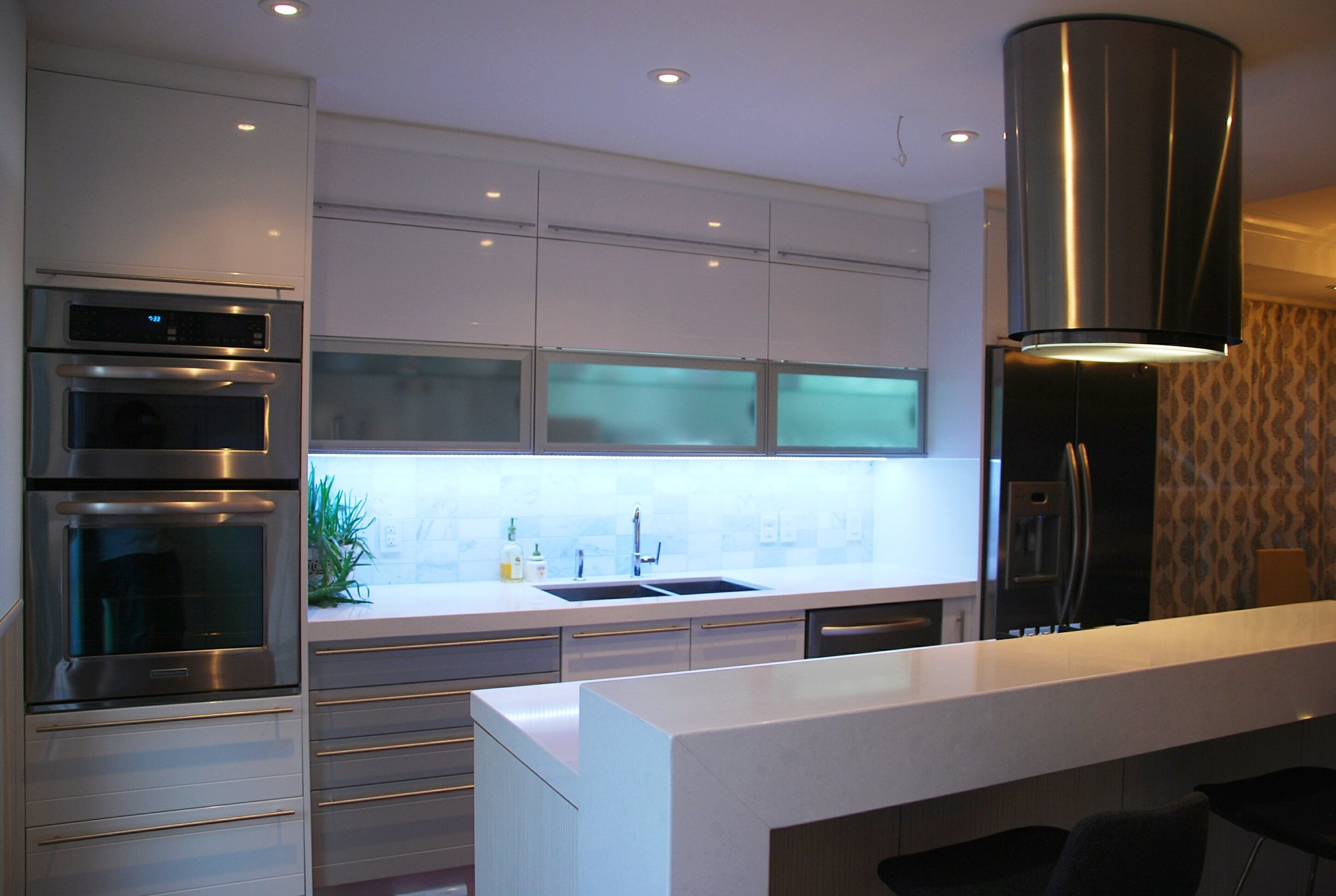 Kitchen 14 Pic 2.jpg