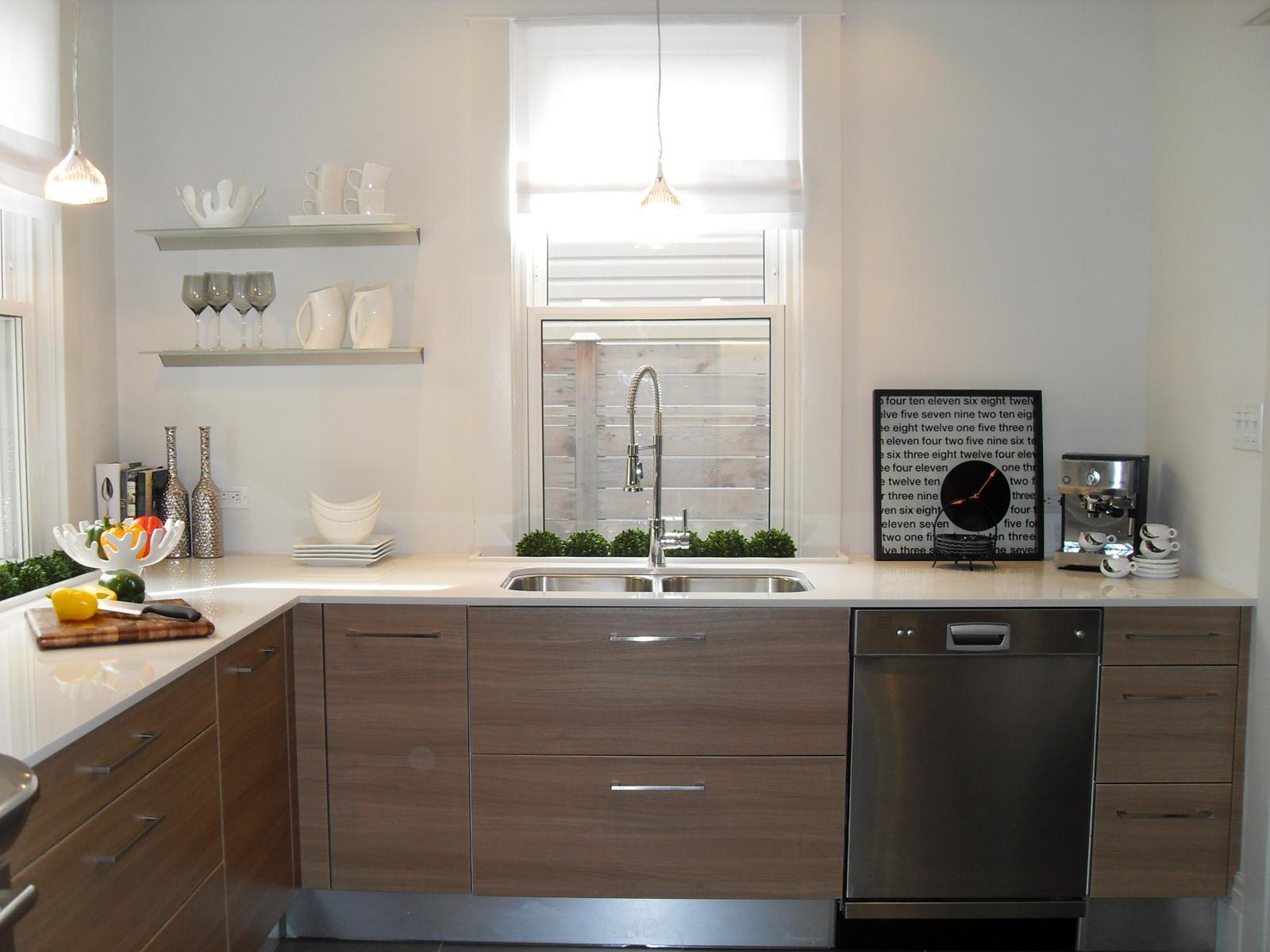 Kitchen 24 Pic 1.jpg