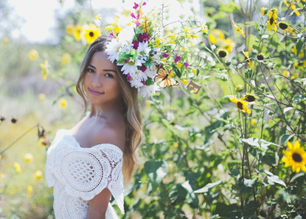 The sun was bright this morning, but I had to get Michelle among these flowers. She was such a great sport, through the whole thing.I believe it was already close to 90 degrees when we started the shoot #heatwaveproblems