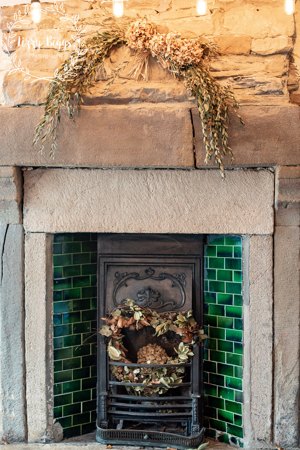 Lizzy_Biggs_Photography_Grass_Hopper_Cafe_Fire_place_detail