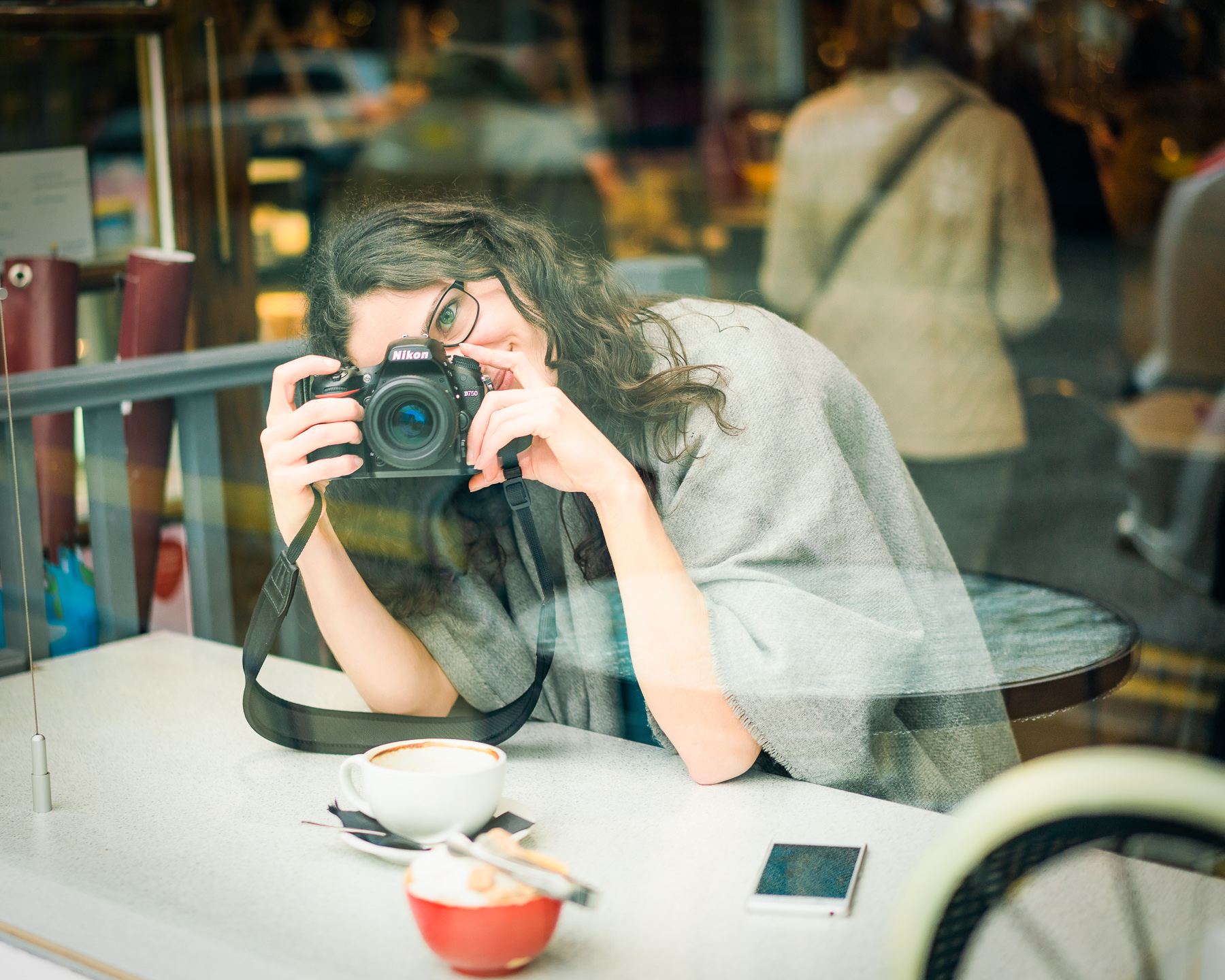 Lizzy-Biggs-Photography-coffee-and-camera