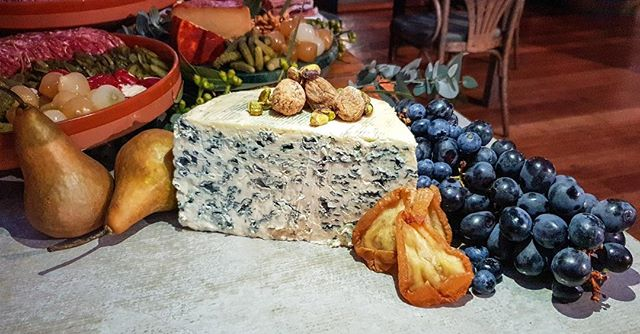 Little flash back to this  not so little piece of mouth watering blue cheese perfection!!! from the Coopers vintage beer launch event.  Venue: @luliesttavern  For: @coopersbrewery . . . . . #thegrazingtablebycuratedevents #grazingtable #grazingtablemelbourne #curatedevents #allofthegoodstuff #shareplatter #cheeseplatter #catering #cheeseboard #cheese #foodstyling #food #eventstylingmelbourne #eventstyling #platter #graze #charcuterie  #stylingbycuratedevents #terrazzo #organic #frenchcheese #organicfruitandnuts #organiclife