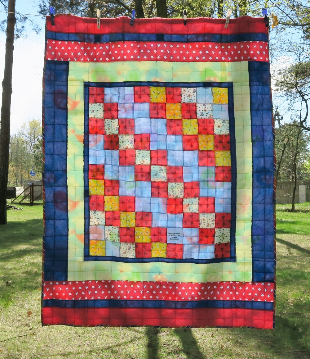 34 -Center of top donated by a friend in AZ. I added borders to make it a European twin size.