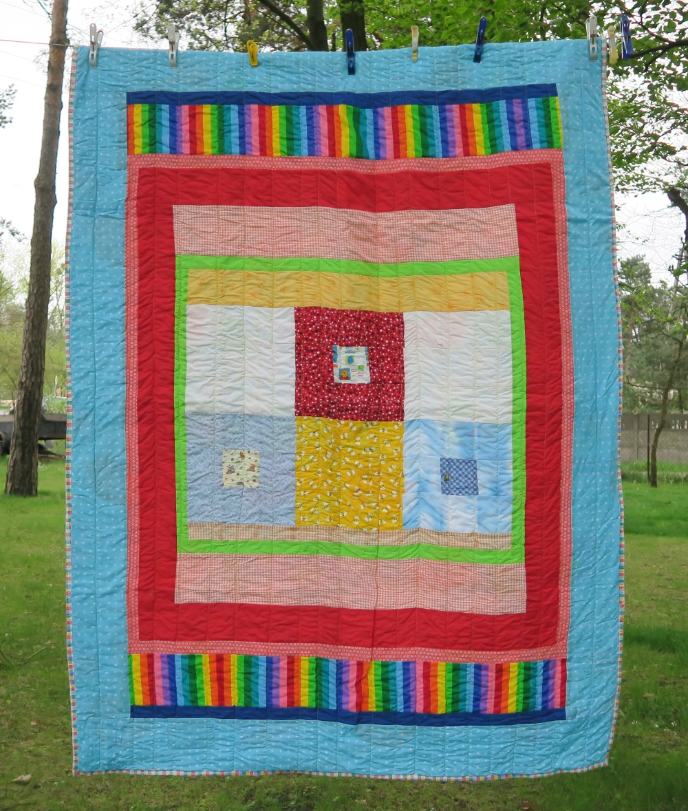 57 53 A friend from AZ, USA made the center of the top - I added borders so that it would be the size I need.