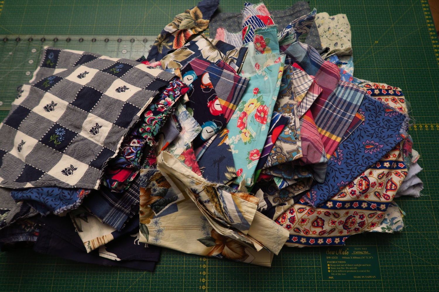 These are the more interesting blues that I have left now - and am thinking of trying a sort of I Spy type quilt - using these pretties. Sill thinking.