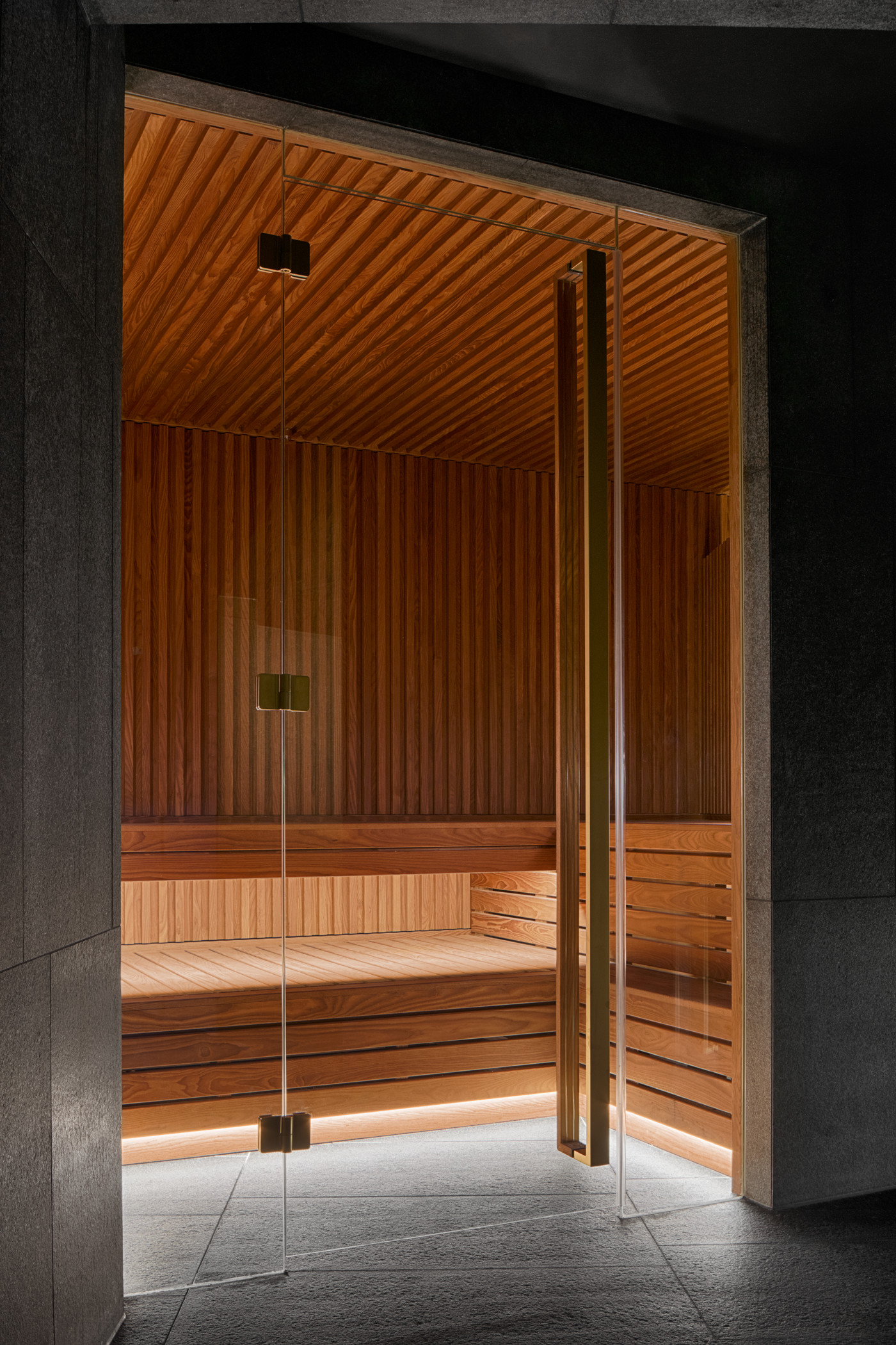 who4090sp-197874-AWAY Spa - Sauna-Med.jpg
