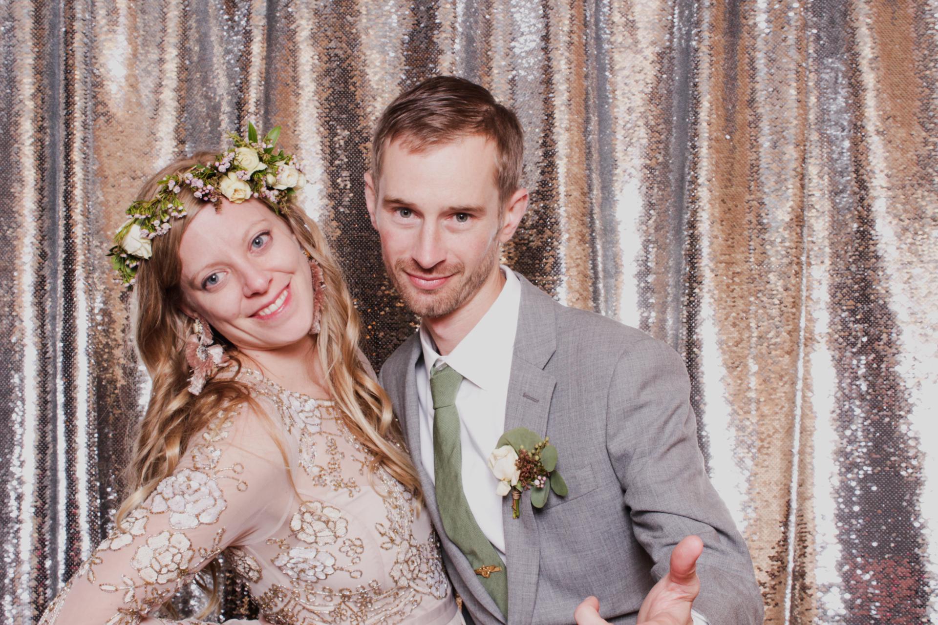 cheap wedding photo booth