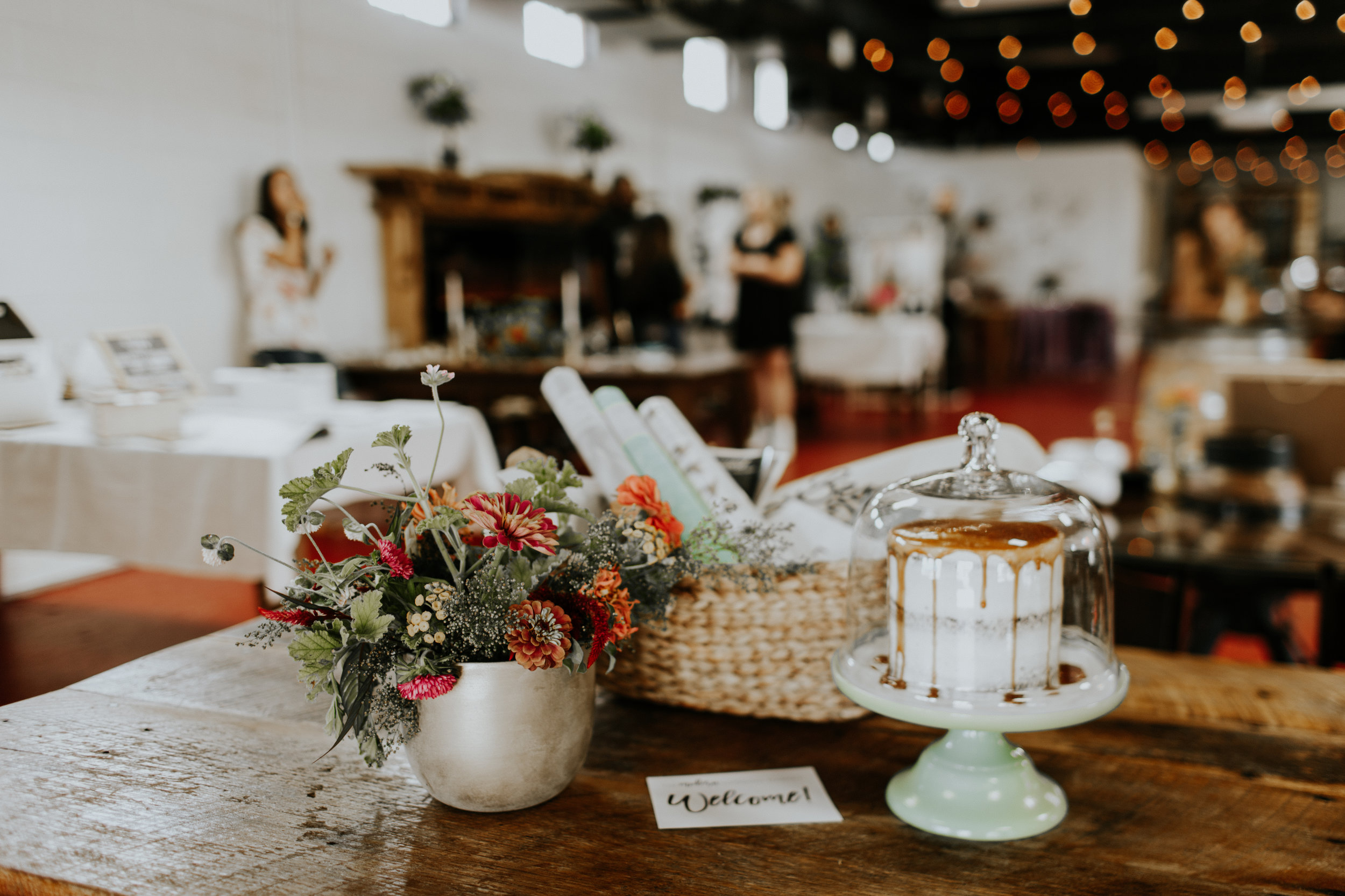modern wedding market