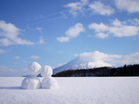 snow with two figures .jpg