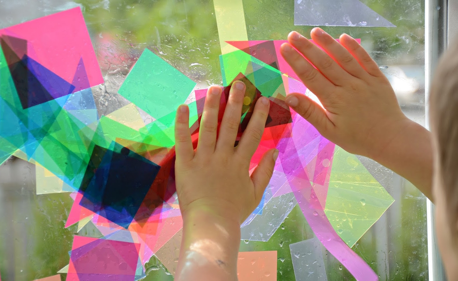 Exploring-Reggio-Art-and-Painting-Explorations-An-Everyday-Story.jpg