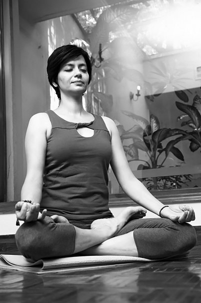 - If you want to start your day right, look at what the yogis do. Mornings are sacred for them as they use the early hours to meditate, connect with their their inner selves and to set the mood for the day. I begin this series with my guru Seema Sondhi, who is really is one of the top yoga masters in the world. This is her routine in her own words: