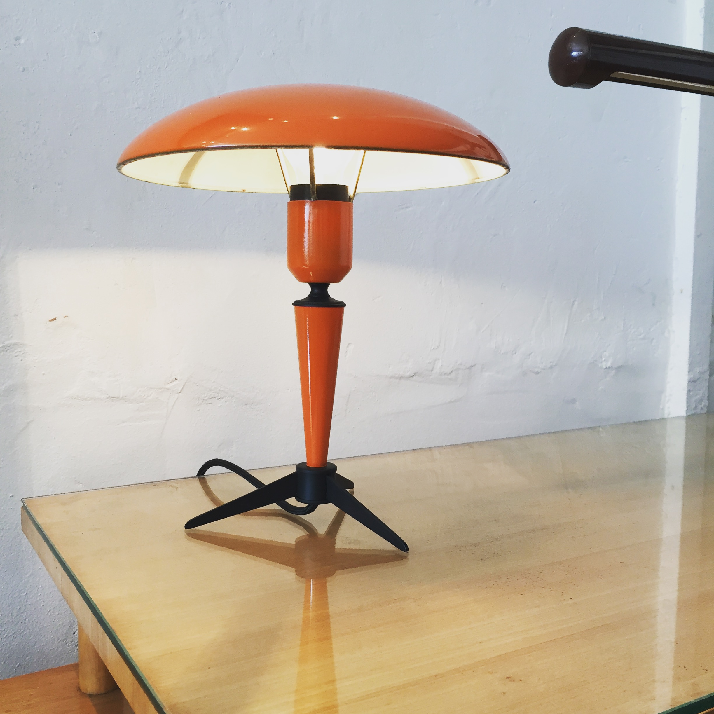 ORANGE TABLE LAMP BY KALFF