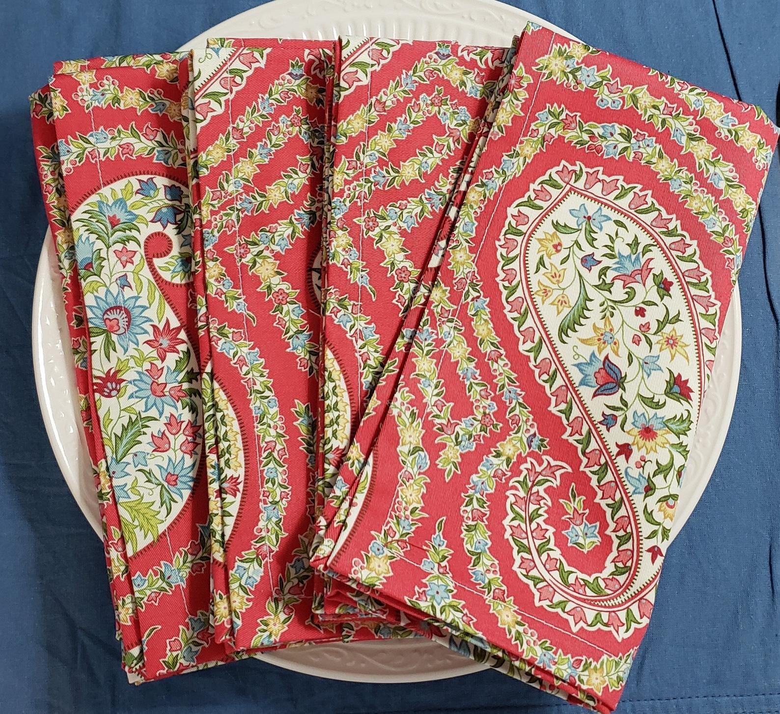 il_1588xN.1968909841_90g2Deep Pink Paisley Cloth Napkins, Set of 4.jpg