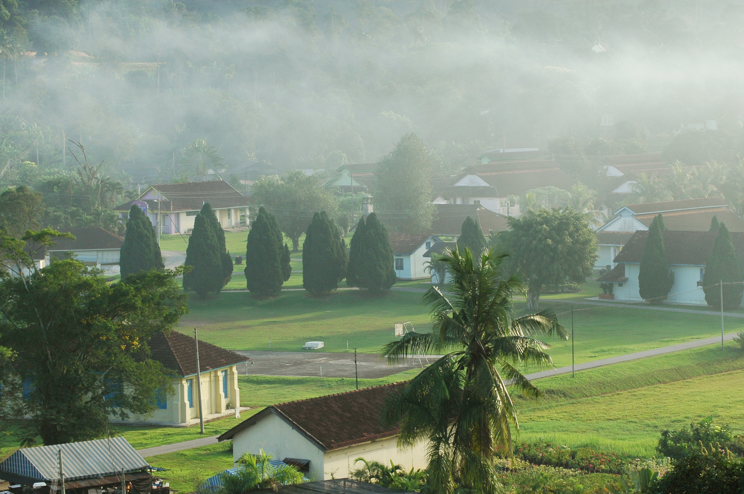 The tranquil look of the settlement in the early morning. (photo by Dr Lim Yong Long)