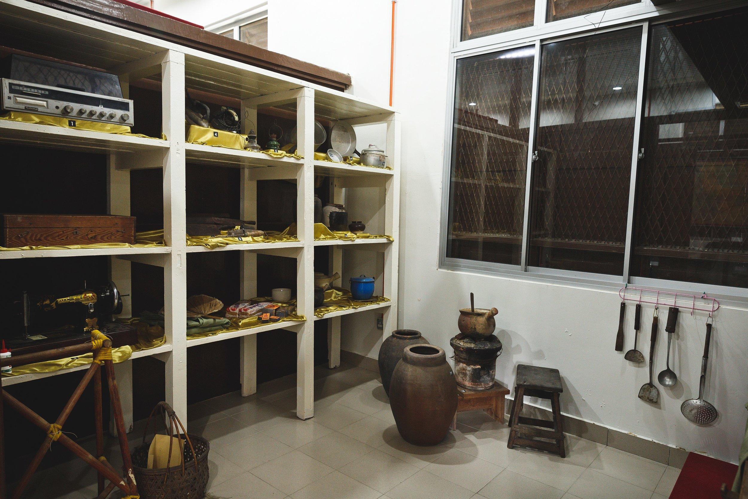 居住在屋仔的麻疯病人  从前  所使用的厨具。  (陆奕萌 摄)