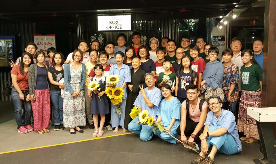 Photo of the actors and the organiser after the show. (photo courtesy of the Dramatic Art Society)