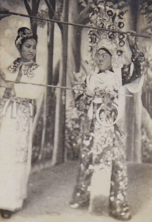 Costumes designed by Tham Yoke Si. (photo courtesy of Lee Sow Cheng)